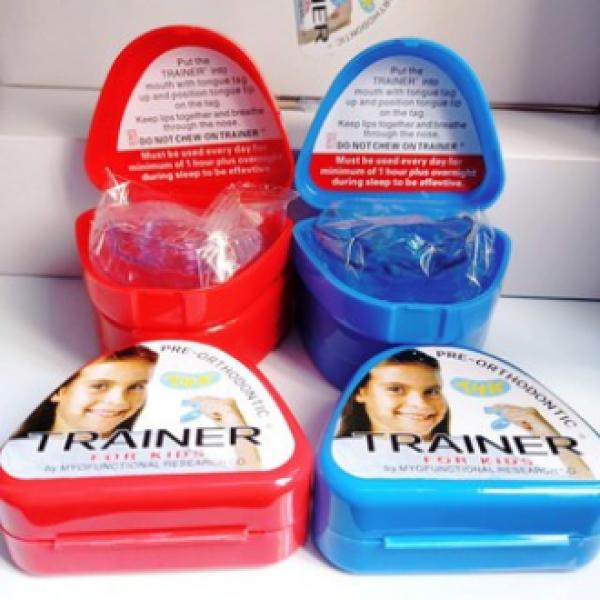 [ Chính hãng -Siêu rẻ] Bộ hàm, máng niềng răng trainer silicon trong suốt tại nhà cho trẻ T4K xuất xứ Ú, giúp trẻ có hàm răng đẹp giá rẻ