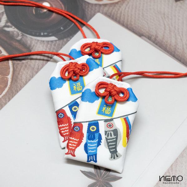 Túi may mắn Omamori Hình Cá Nhật, tặng Túi Bảo Vệ, tặng Đá Ngũ Sắc, tặng Hoa Oải Hương Nụ Khô - OMCA