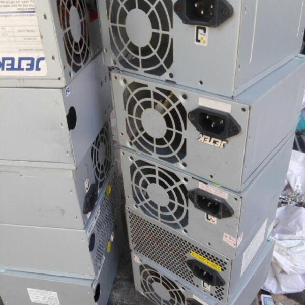 Giá Hộp vỏ nguồn máy tính chế máy hàn Pin