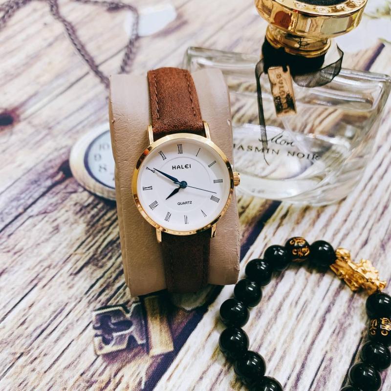 Đồng hồ nữ mặt tròn dây da Halei thời trang (dây nâu mặt trắng)