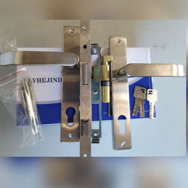 khóa ag tay inox, củ khóa bằng đồng, dùng cho cửa nhôm hệ cao cấp, cử gỗ, cửa sắt hộp..