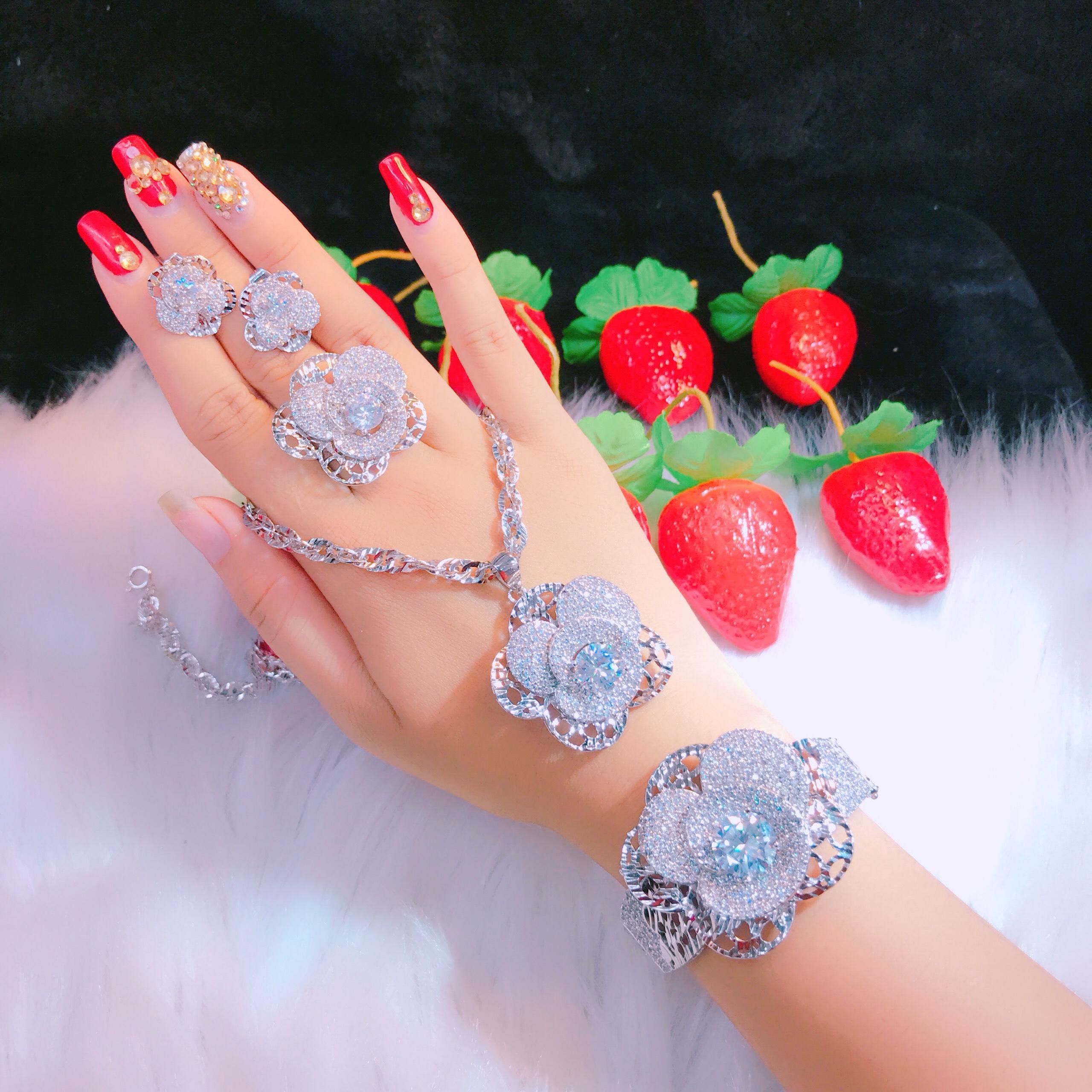Bộ Trang Sức Cao Cấp, Hoa Cẩm chướng - Givishop - B40707139 , Bền Màu, Sáng Như Vàng Thật, Bạc Thật. Chất Liệu Bạc Thái, Không Đen, Không Ngứa - Thiết Kế Đi Tiệc,  bộ trang sức bạc cao cấp, bộ trang sức bạc đẹp, bộ trang sức bạc Givi