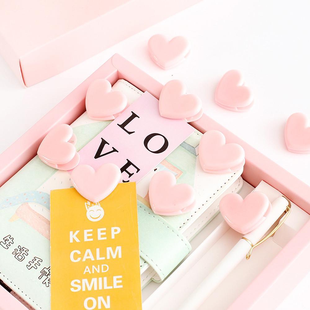Mua Combo 10 kẹp giấy nhựa hình trái tim hồng