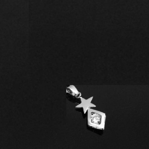 Dây chuyền nữ inox Thấy Là Thích dây lá me mặt ngôi sao nhỏ với hình thoi đính đá - Cam kết 1 đổi 1 nếu hoen , gỉ sét