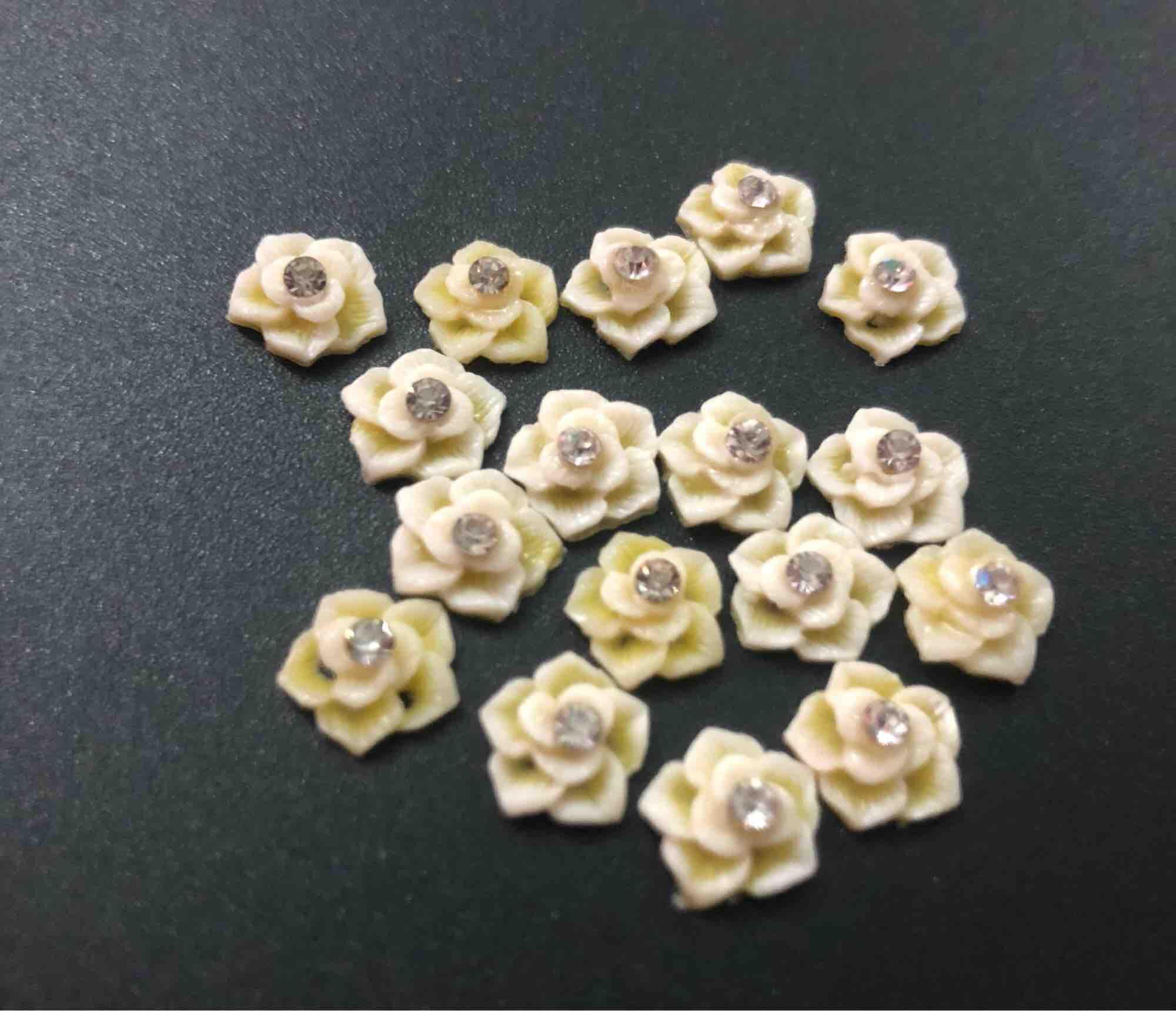 Hoa nhựa đính đá nhập khẩu