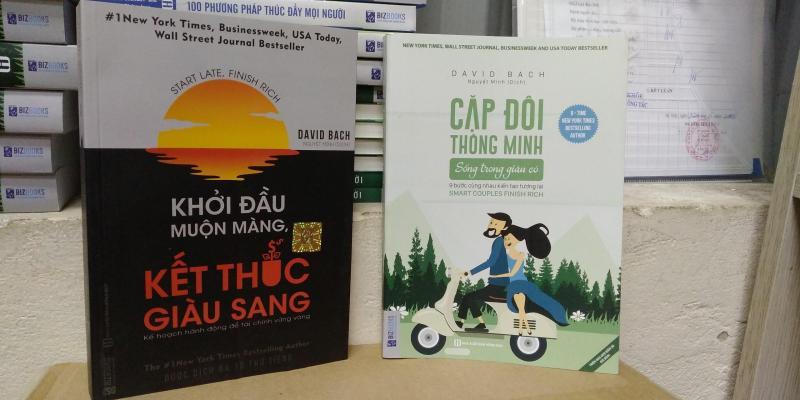 Combo  2 cuốn sách: Khởi đầu muộn màng, kết thúc giàu sang + CẶP ĐÔI THÔNG MINH SỐNG TRONG GIÀU CÓ ( tặng bookmark cài trang+ bút chì và tẩy cute)