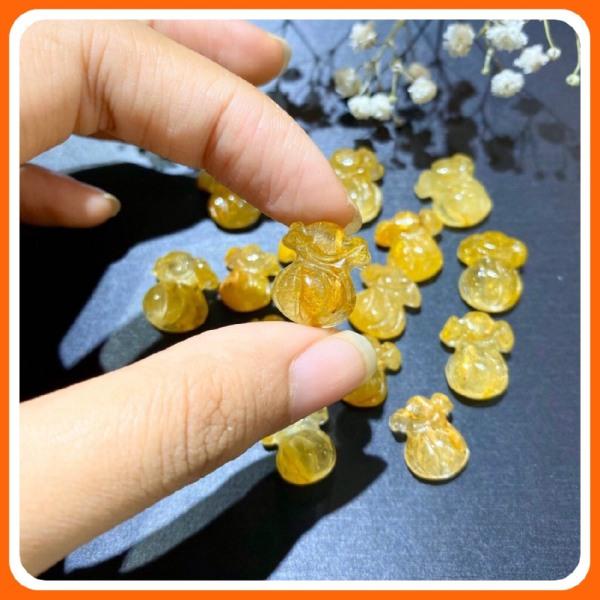 Charm Túi Tiền đá Thạch Anh Tóc Vàng Citrine đặc tóc chuẩn thiên nhiên Tặng kèm móc bạc TT070 - Hợp mệnh Kim, Thổ