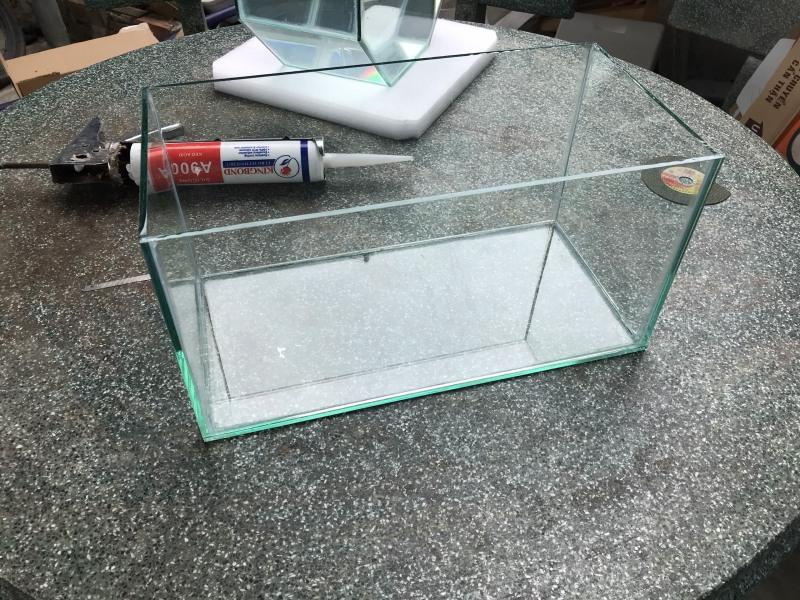 Bể cá 40x20x20cm