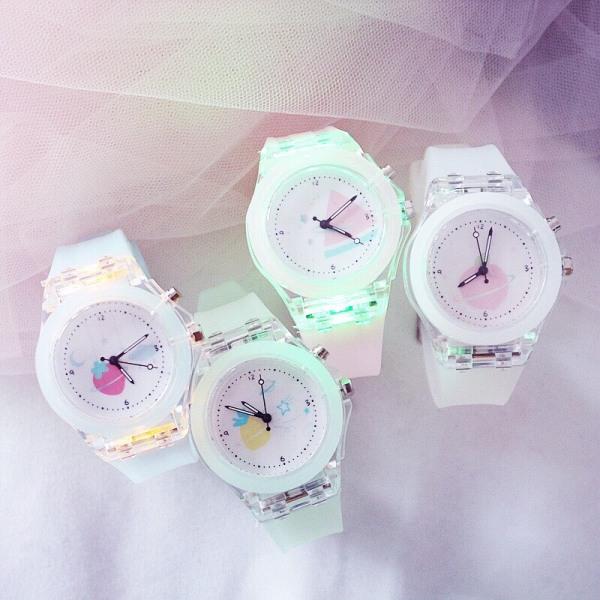 Nơi bán (Tặng kèm hộp + pin) Đồng hồ thời trang nữ Candycat led phát sáng dây silicon