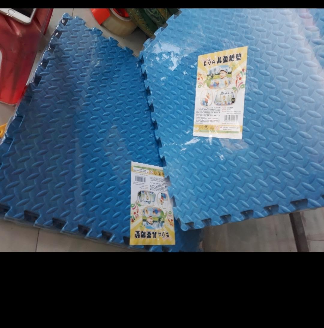 Hình ảnh thảm xốp ghép 1 màu xanh