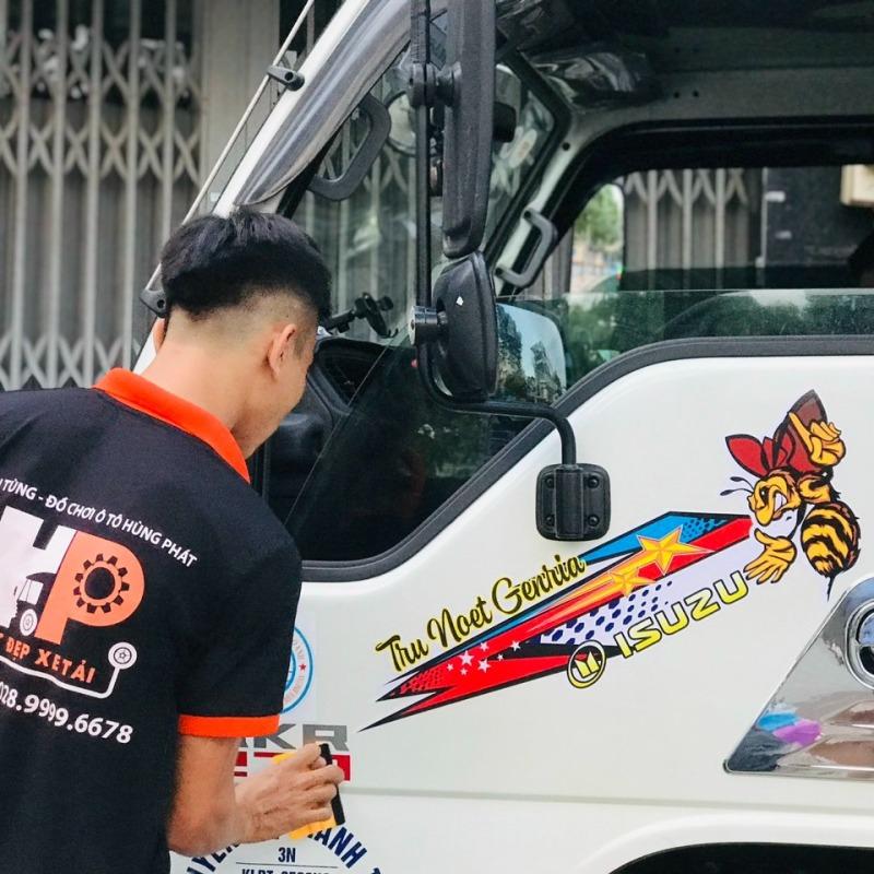 Tem dán cửa xe tải mẫu mã độc lạ - Tem ong theo yêu cầu