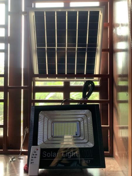 Đèn Năng Lượng Mặt Trời 100W Solar Light- Chống mưa, có cảm biến hồng ngoại, điều khiển từ xa