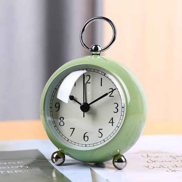 Đồng hồ báo thức học sinh với thời trang mới đơn giản hiện đại đồng hồ treo tường trẻ em im lặng đi học cậu bé đồng hồ để bàn đồng hồ để bàn nữ bán chạy