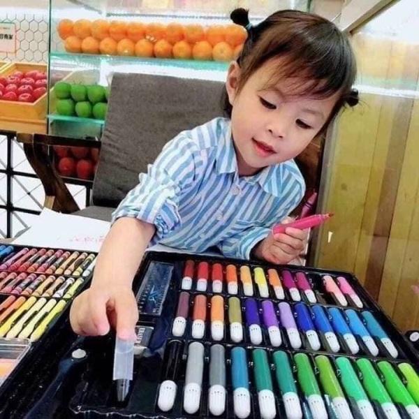 Mua Bộ bút màu 150 món