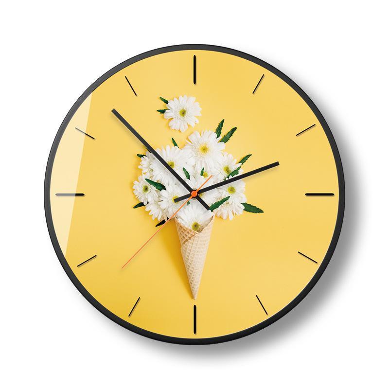 Đồng hồ treo tường trang trí hình kem - hoa trắng - nền vàng - DH088 A10 bán chạy