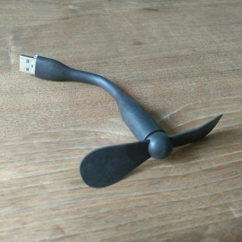Quạt USB Mini 2 Cánh Cổng USB ( COMBO 2 cái )