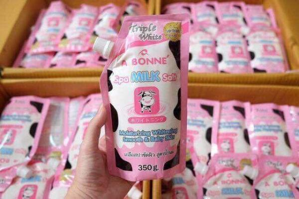 Muối tắm sữa bò tẩy tế bào chết A Bonne Spa Milk Salt Thái Lan 350g