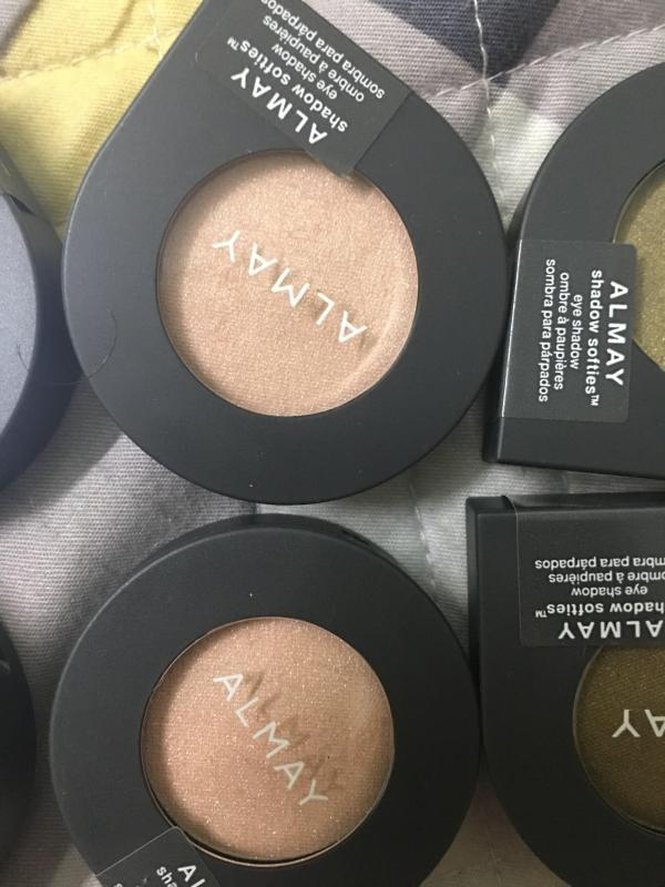 Phấn mắt Revlon Almay Shadow Softies