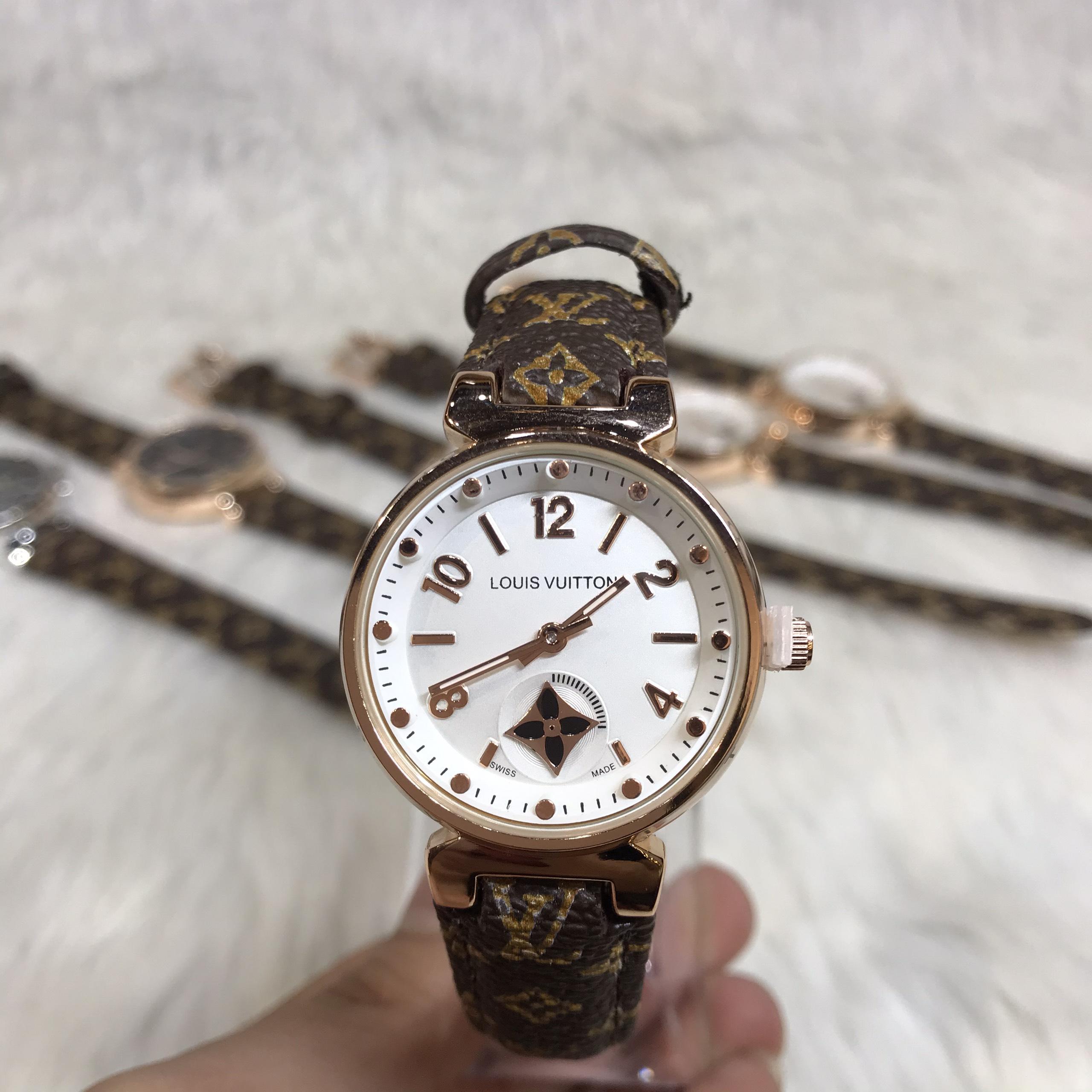 Nơi bán Đồng Hồ Nữ LV Louis Vuitton_ Mặt trắng Viền Vàng sang trọng, quý phái, Cao Cấp