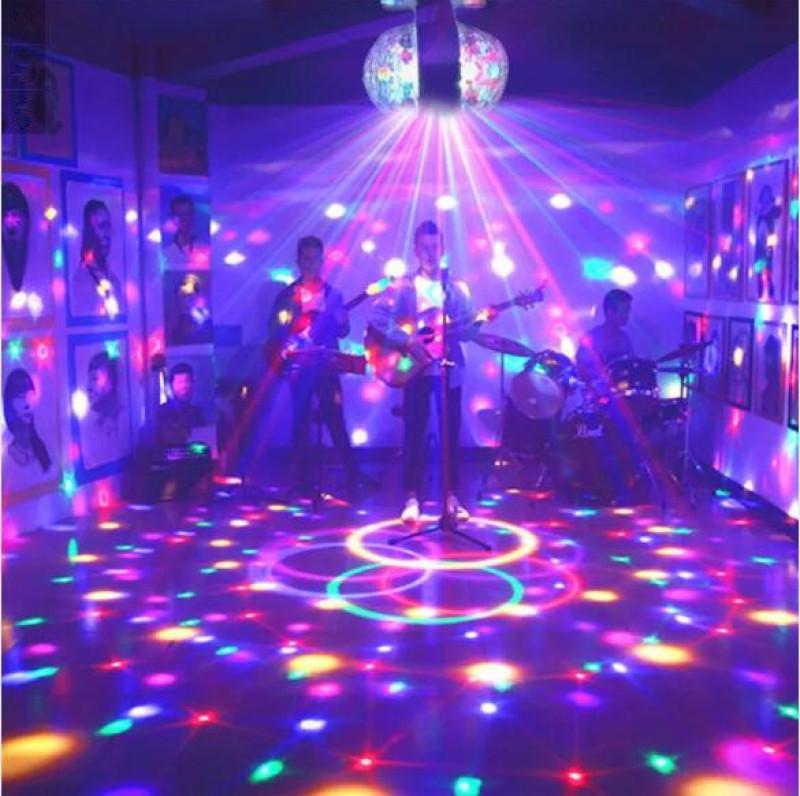 Angelila Đèn vũ trường RGB E27 Bóng đèn đa LED di động Máy chiếu laser mini DJ Vũ trường Ánh sáng sân khấu Trang chủ KTV Chiếu sáng bữa tiệc