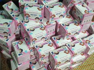 Hộp khẩu tran g trẻ em 1 hộp 50 cái