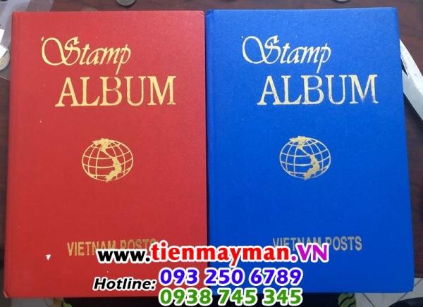Album 500 con tem Việt Nam Kích thước 250 x 170 x 25 mm, màu đỏ và xanh, dùng để bảo quản các loại tem, tiền giấy sưu tầm