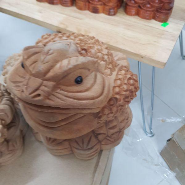 Mua Thiềm thừ (cóc ngậm tiền) gỗ xá xị thơm kích thước 20x20 size lớn - ảnh thật