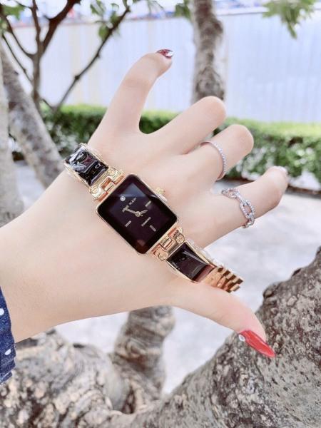 Đồng hồ thời trang Anne Klein dành cho nữ bán chạy