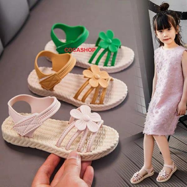 Giá bán Sandal cho bé gái, giày quai dán đính hoa cho bé gái siêu xinh