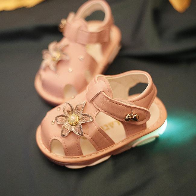 Giày sandan cho bé gái có đèn nhấp nháy giá rẻ
