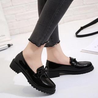 Giày lười nữ da bóng đính nơ đế vuông thumbnail