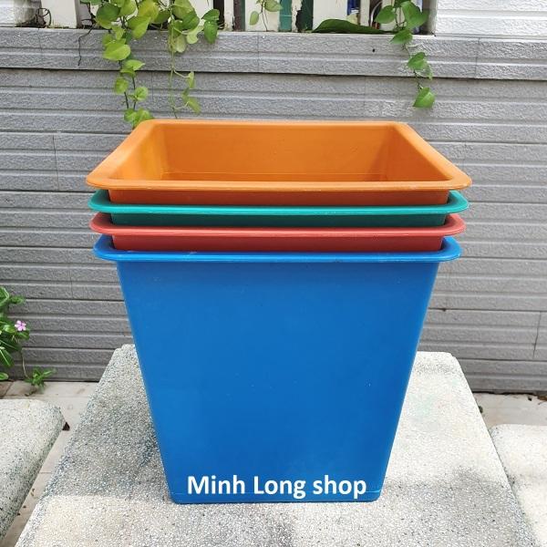 Bộ 04 chậu trồng hoa/ trồng rau hình vuông nhựa cứng size 30x30x28cm