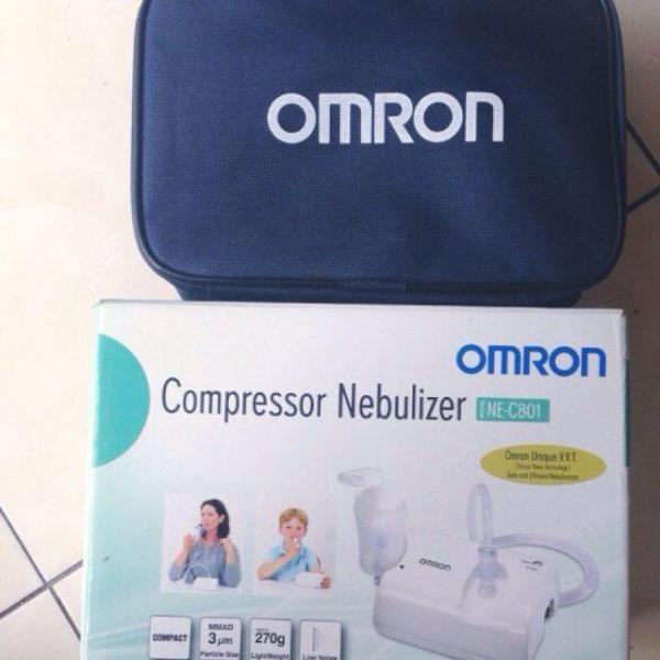 Máy xông mũi họng Omron C801