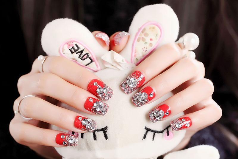 Bộ 24 móng tay màu đỏ đính đá (keo sẵn+miếng dán+dũa) giá rẻ