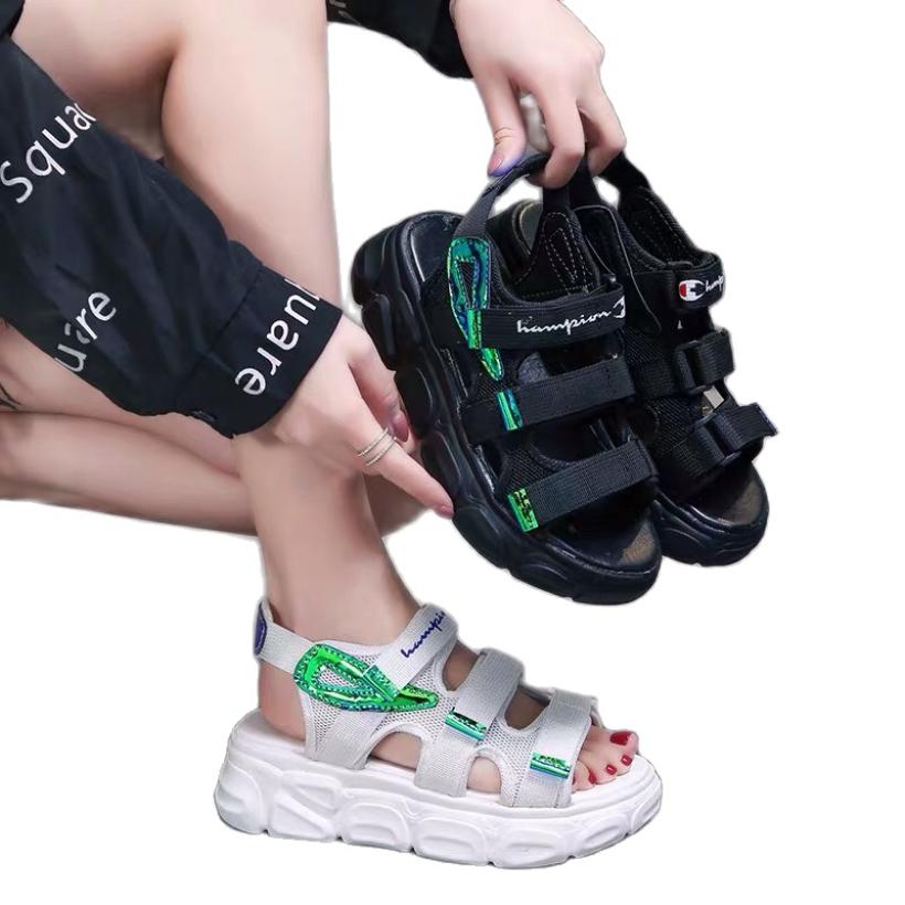 Sandal nữ quai ngang ChamP - chất liệu dây dù cao cấp,siêu bền , đế bằng kiểu đế bánh mì mềm,nhẹ,chống trượt tốt , phong cách Hàn Quốc đẹp,giá rẻ , thích hợp sử dụng đi học,đi chơi , là mẫu dép quai hậu hot mùa hè 2020 giá rẻ