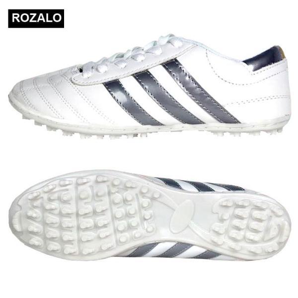 Giày đá bóng nam Rozalo R3535 đế được khâu bằng chỉ siêu bền, giúp giày bền chắc, thiết kế 3 sọc thể thao