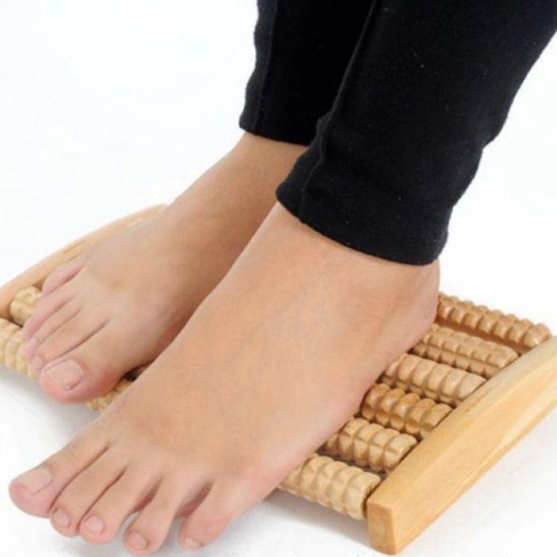 bàn gỗ lăn matxa chân cao cấp