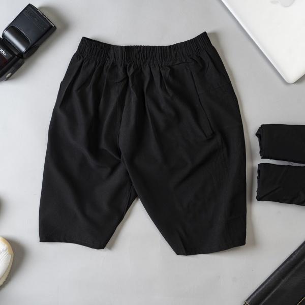Quần đùi mặc nhà nam chất liệu vải gió màu đen, mã SF20