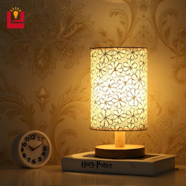 B & B Đèn ngủ LED trang trí gỗ rắn dùng usb sạc lại phong cách Bắc Âu tiết kiệm năng lượng