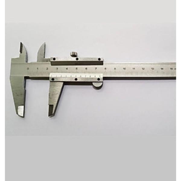thước kẹp thước cặp cơ  khí hàng nhật bãi (loai 200mm)