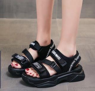 dép sandal quai hậu SUPME độn đế 4cm siêu đẹp, sandal học sinh đế cao su non 2 màu đen và trắng giá sốc thumbnail