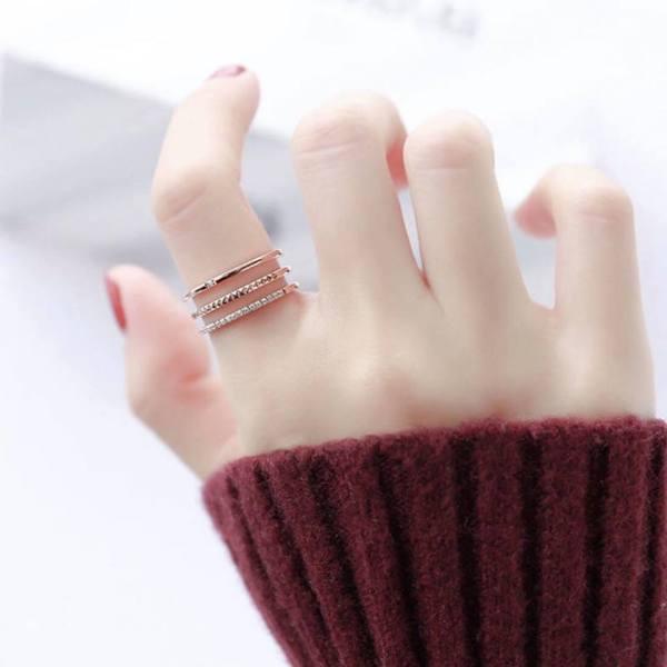 Nhẫn nữ đẹp nhẫn titan không han gỉ - 3 hàng mảnh cực chất, thiết kế tinh xảo, sang trọng và thời thượng, phù hợp với mọi loại trang phục