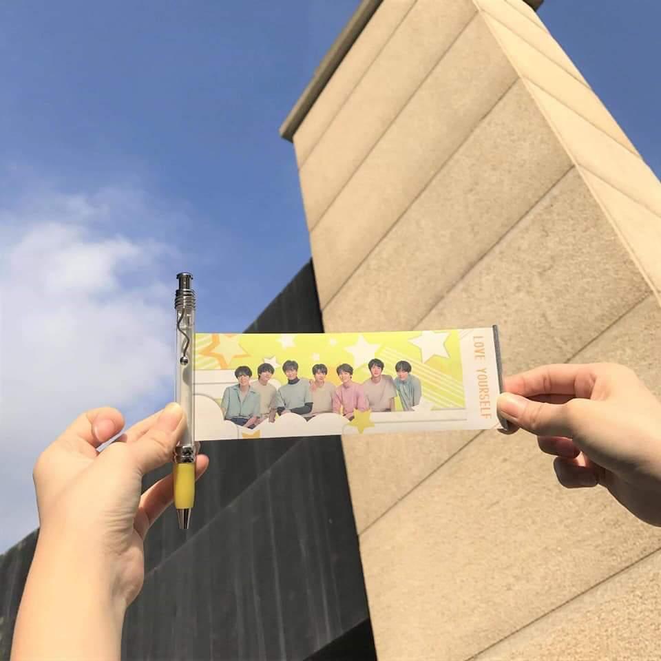 Mua bút banner thần tượng BTS