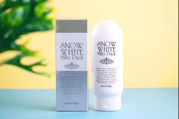Kem dưỡng trắng toàn thân Secret Key Snow White Milky Pack thành phần của sản phẩm hoàn toàn lành tính và an toàn cho người sử dụng chất lượng và công dụng của sản phẩm đảm bảo như mô tả nhập khẩu
