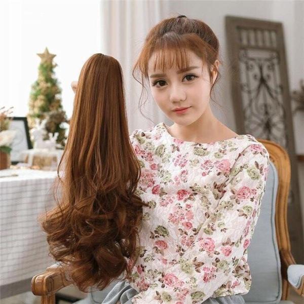 Ngoạm tóc giả xoăn đuôi dài