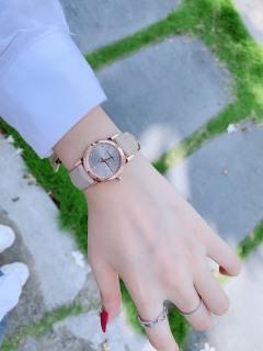 Đồng hồ nữ dây da BURBERY9108 Size 28 mm Vàng hồng - FULLBOX,Đồng hồ nữ mặt tròn, Đồng hồ nữ chống nước dành cho phái nữ thumbnail