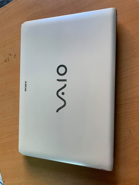 Bảng giá Laptop Cũ Rẻ Sony Vaio SVE14 Trắng Core i5 Ram 4G ổ 320G Chơi Game, Làm Đồ Họa. Tặng đầy đủ phụ kiện Phong Vũ