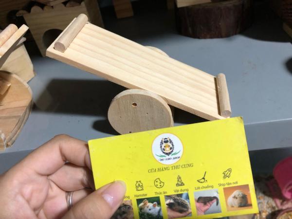 Bập bênh gỗ cho hamster hoặc trưng bày ,trang trí.