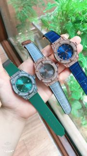 Đồng hồ nam nữ H.LOT viền đính đá, dây hương vani, kính chống xước thumbnail