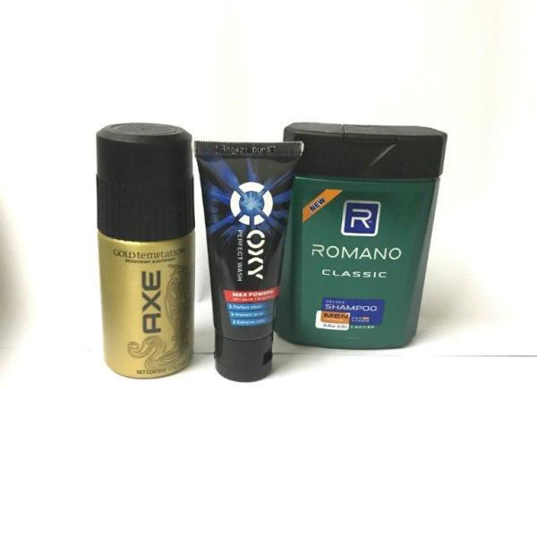 Set 3 chai gồm: 1 Chai dầu gội Romano 100g + 1 Chai xịt Axe khử mùi vàng hoặc đen 50 ml + 1 chai Oxy rửa mặt 25g + tặng 1 túi đựng mỹ phẩm nhập khẩu
